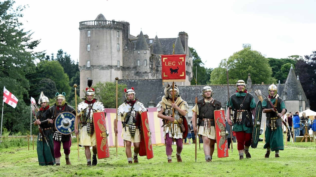 Rumbling Romans and Wicked Warriors , Castle Fraser