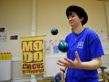 Ellie Moore of Theatre Modo demonstrates her juggling skills.