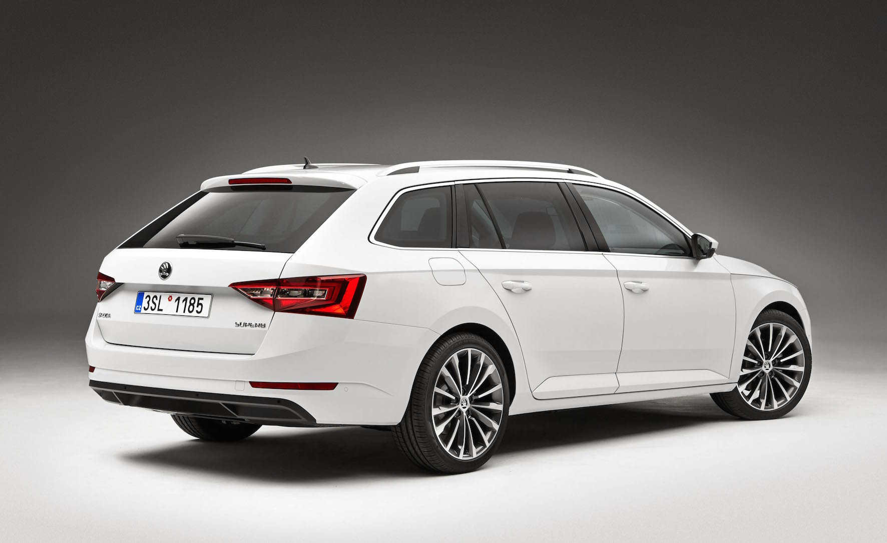 a new skoda is always a big deal but this estate version of the popular superb is a really big. Black Bedroom Furniture Sets. Home Design Ideas