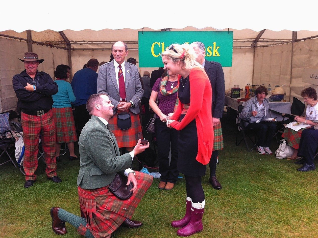 Clansman Sandy Leask proposed to Fiona Miller at last year's Aboyne Highland Games, returning this year just weeks before their wedding.