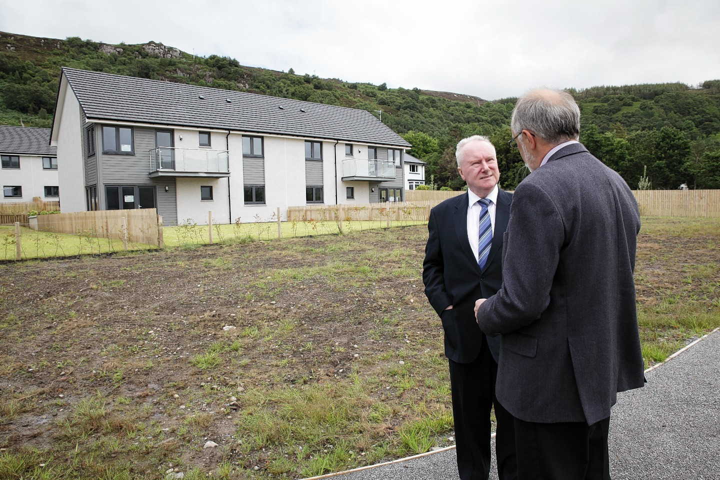 Alex Neil MSP visits Lochside Court, Ullapool