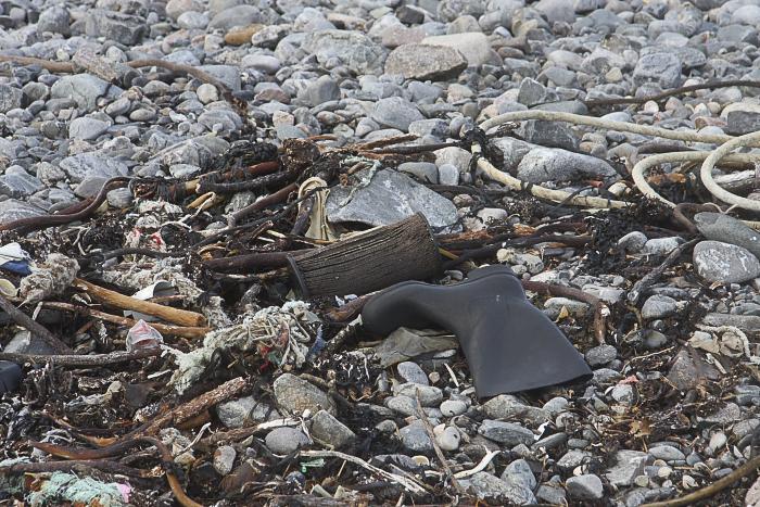 Litter at Cairnbulg beach