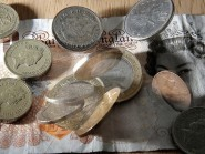 Financial education in schools should be improved, a report says