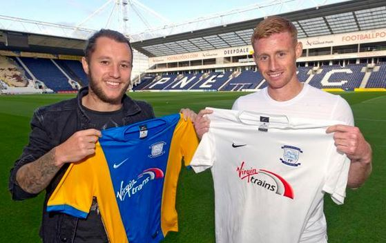 Preston have signed Stevie May and Eoin Doyle