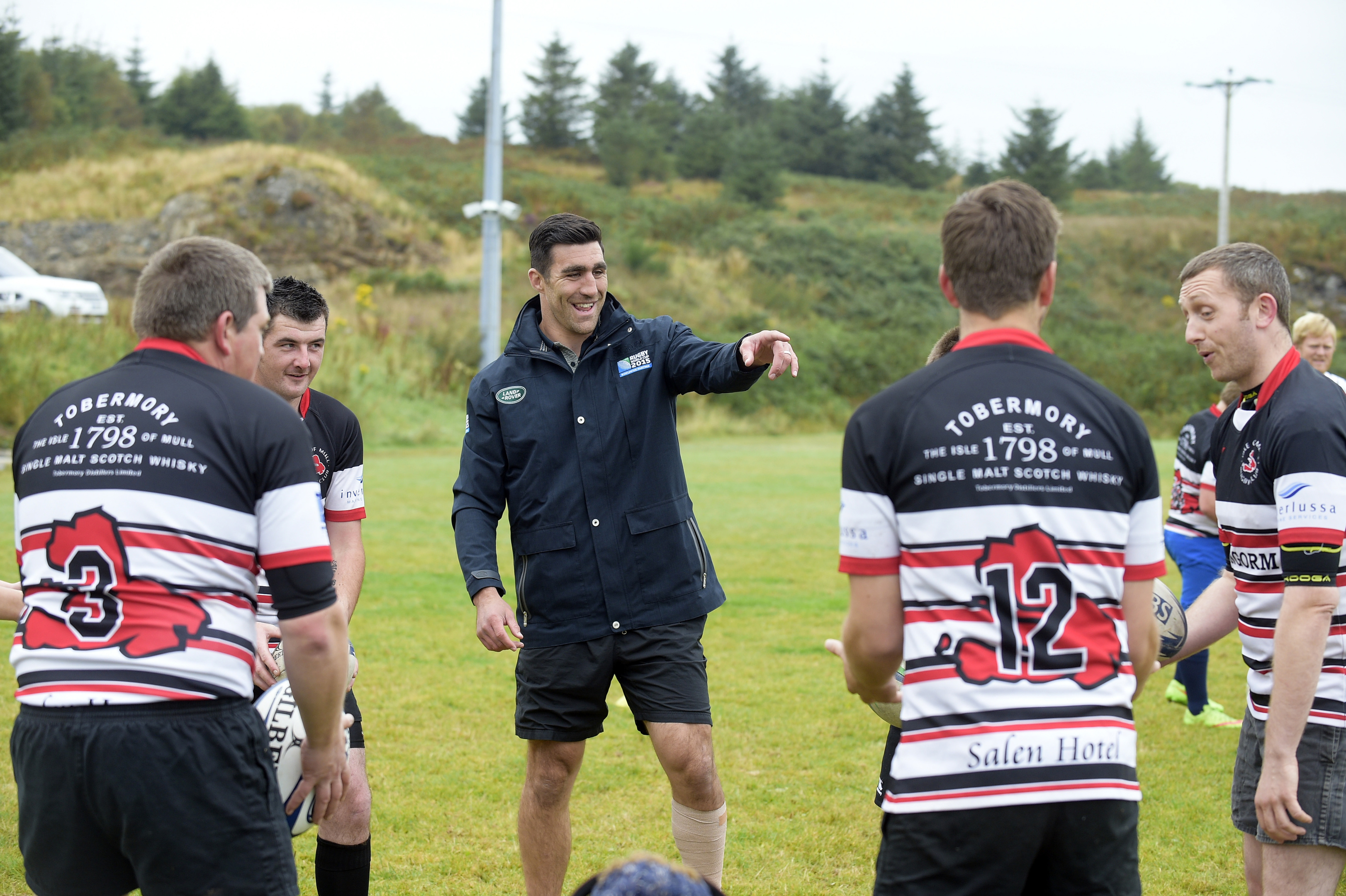 Kelly Brown takes a training session with players of Mull Rugby Club