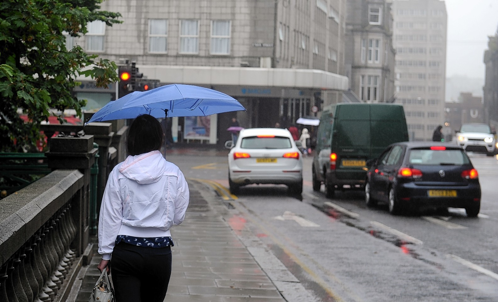 Get your brollies at the ready, Met Office experts believe we are in for heavy rainfall