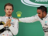 Mercedes will not change their policy on race strategy