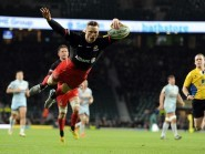 Saracens wing Chris Ashton scores his second try against Worcester