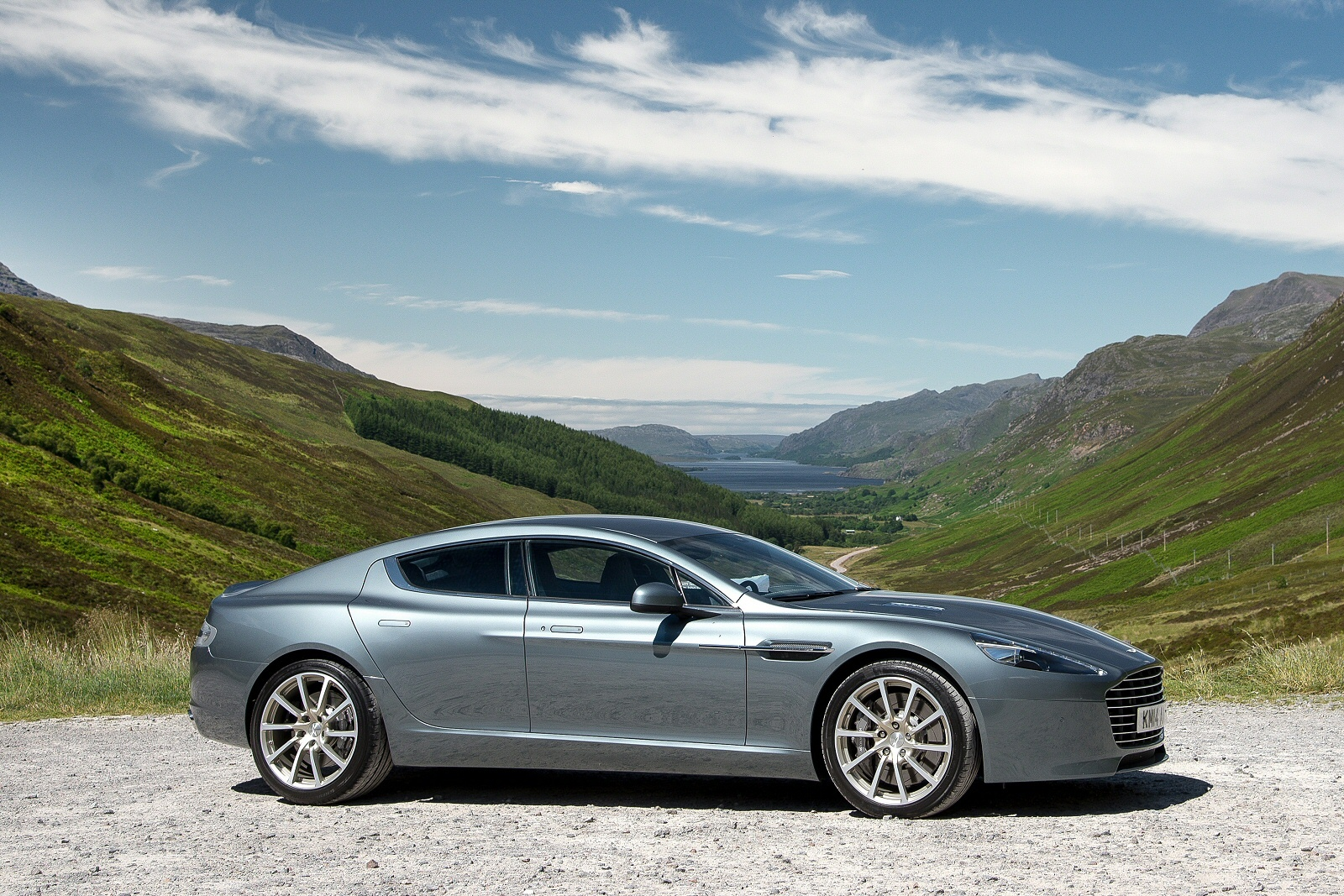AstonMartinRapideS1014(2)