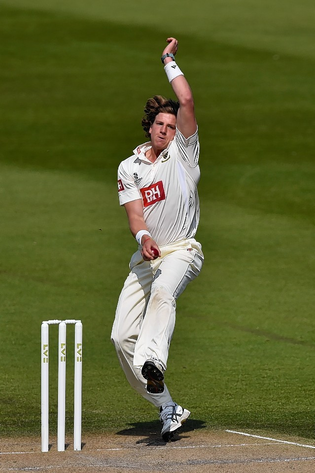 Matthew Hobden bowling for Sussex