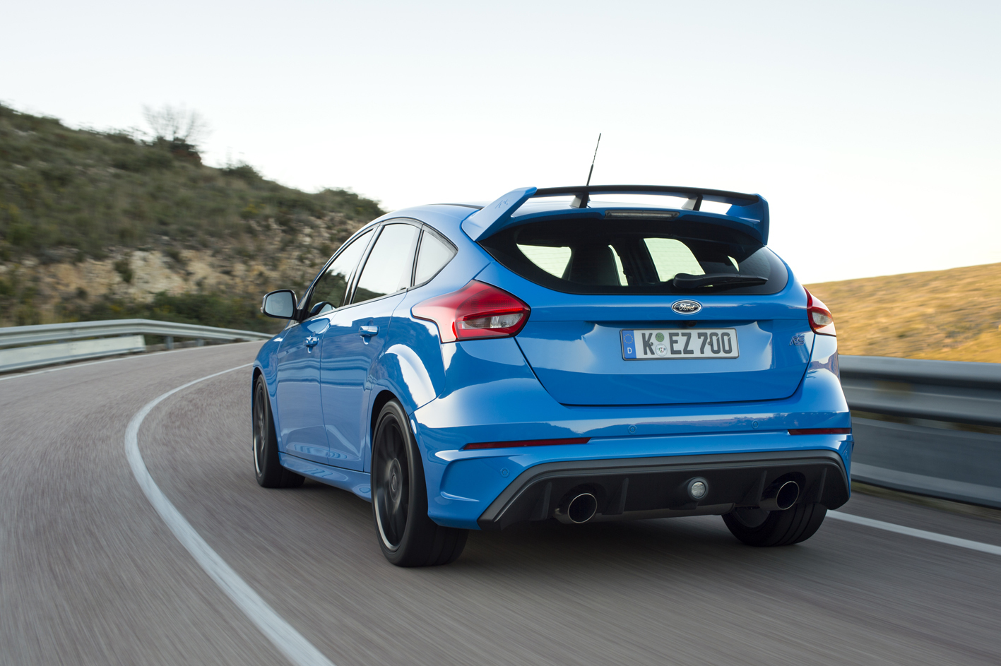 Ford Focus RS 2016 mountain road rear