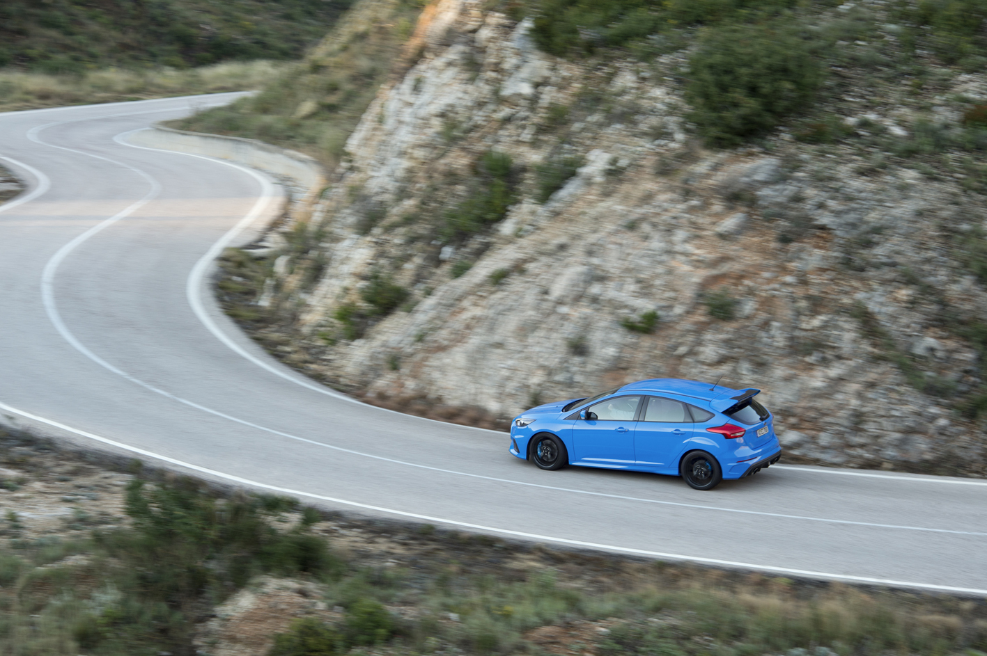 Ford Focus RS 2016 mountain road