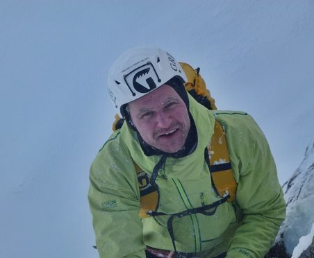 Guy Robertson