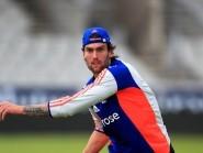 Reece Topley's career-best bowling helped England to a five-wicket win in Port Elizabeth
