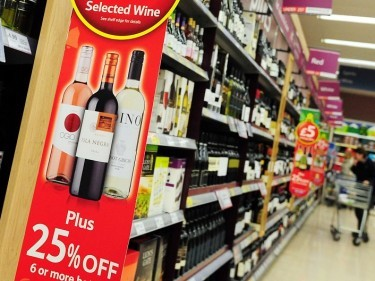 A call for alcohol-only check-outs in licensed shops has been made by health professionals