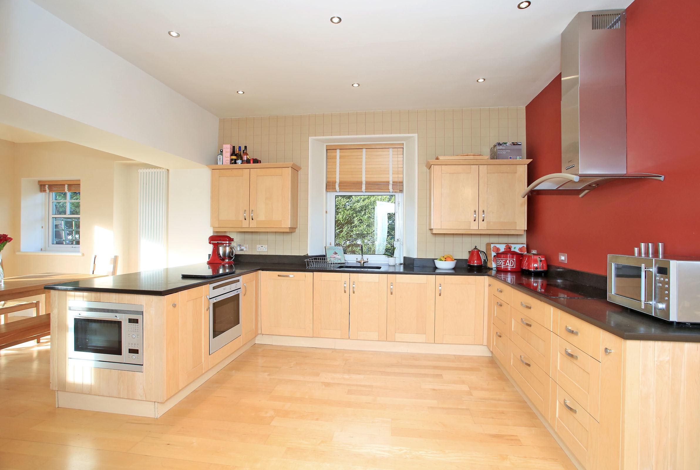 8.kitchen1