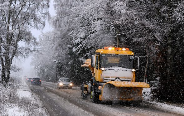 Gritter drivers are to be offered free flu vaccinations.