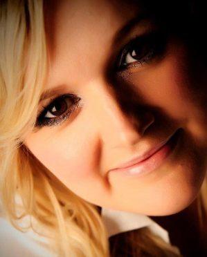Jojo Fraser is a mental health ambassador and author of the popular blog mummyjojo.com