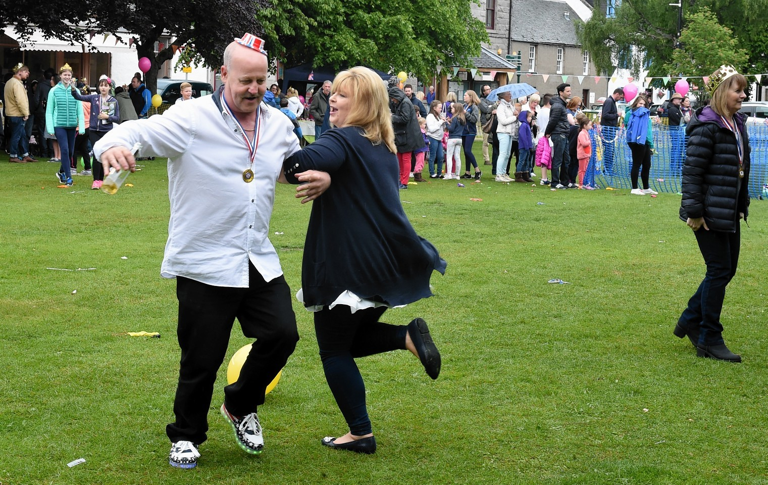 Ballater-Street-Party11