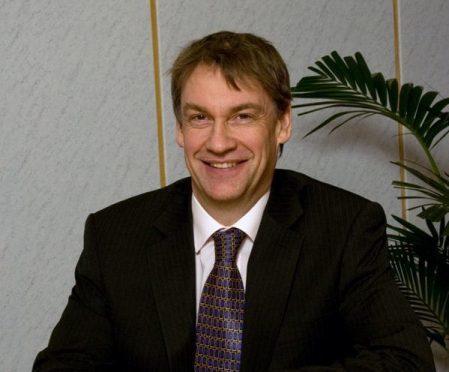 Neil Clapperton