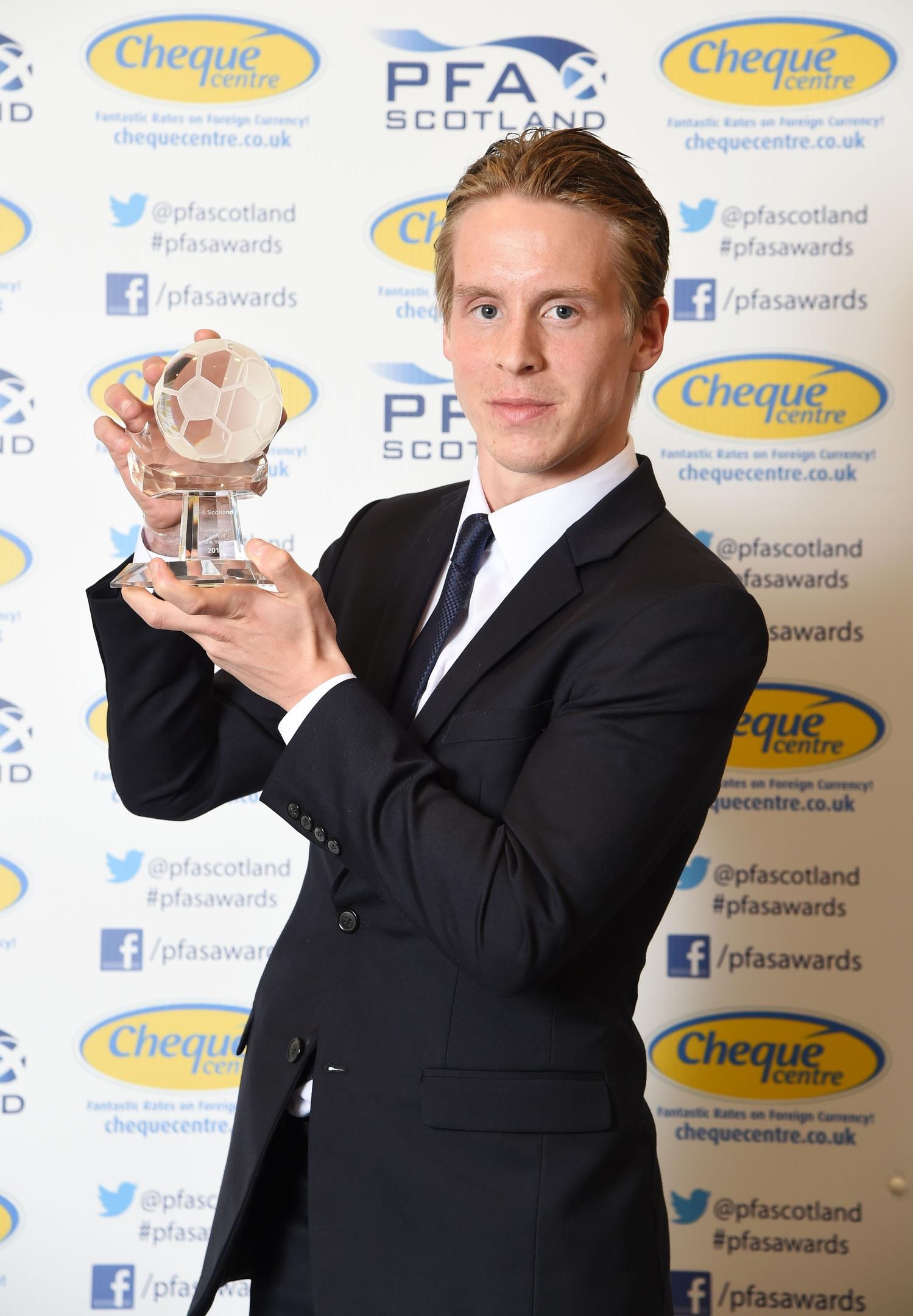 Stefan Johansen won the 2014/15 PFA Scotland Player of the Year Award