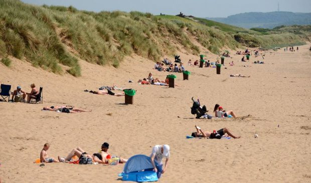 Temperatures will remain high all day with Braemar expected to reach 25C