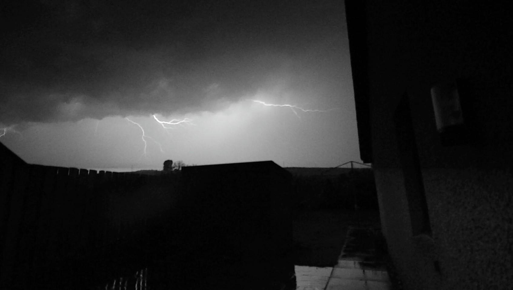 Lightning in Drumoak, Aberdeenshire
