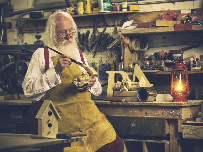 Vintage Image Real Santa Claus Bissell working late hours in the workshop #realsantaclaus #issantareal #santaclaus #realsantaclausimages