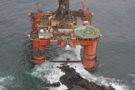 Grounded oil rig could have lost up to 53 tonnes of diesel | Press