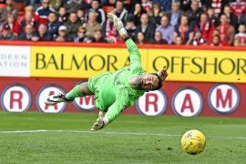 McInnes targets a new goalkeeper with Joe Lewis facing at least two months on the sidelines