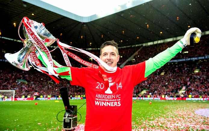 Aberdeen keeper Jamie Langfield celebrates winning the League Cup Final