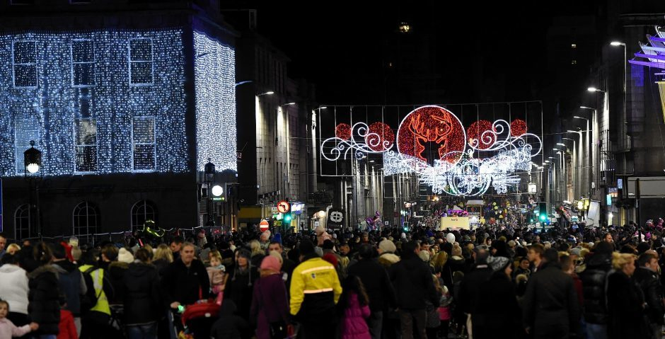 Pictures The Lights Are On For Christmas Thousands Turn