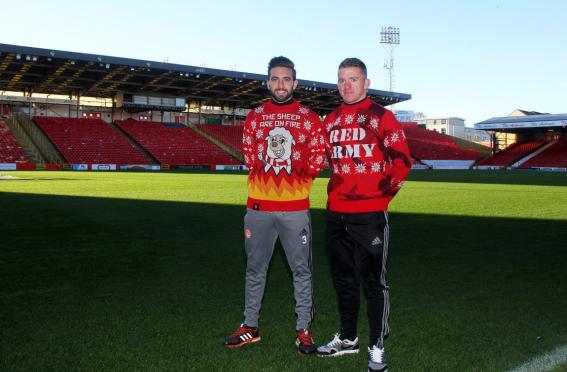 Aberdeen's Graeme Shinnie and Jonny Hayes model the knitwear