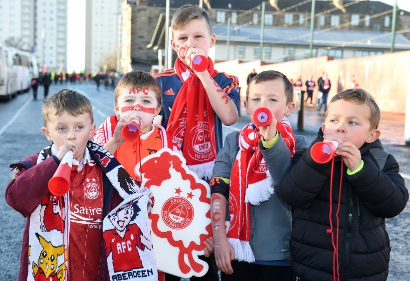 Betfred Cup final 2016 at Hampden Park. Aberdeen v Celtic.  Picture of (L-R) Jake Leckie, 6, Harvey Falconer, 7, Jake Davidson, 11, Theo Watt, 8, Hugo Watt, 6.  Picture by KENNY ELRICK     27/011/2016