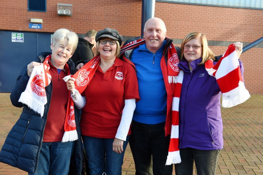 Betfred Cup final 2016 at Hampden Park. Aberdeen v Celtic.  Picture of Irene Walker, Norma Jamieson, Ian Smith, Joyce Smith.  Picture by KENNY ELRICK     27/011/2016