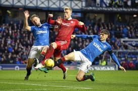 Aberdeen's wait for a win at Ibrox continues following defeat to Rangers