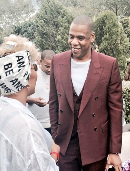 Emeli Sande delighted fans by sharing pictures of her with Jay-Z during a recent tour of LA