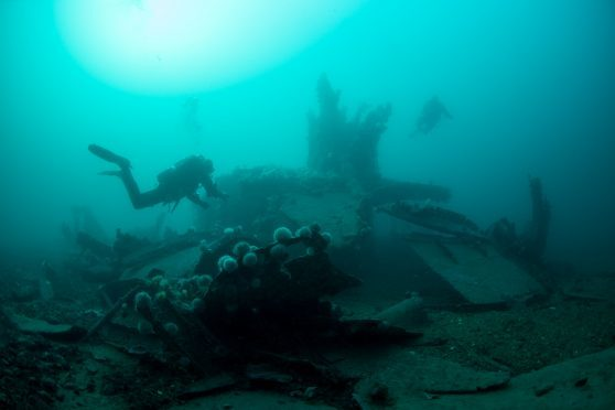 Dive pictures of the German Fleet on the Scapa Flow sea bed