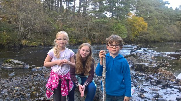 Children who discovered live World War II bomb on Rosemarkie beach, Isabelle (7), Abigaile (12) and Samuel (6).