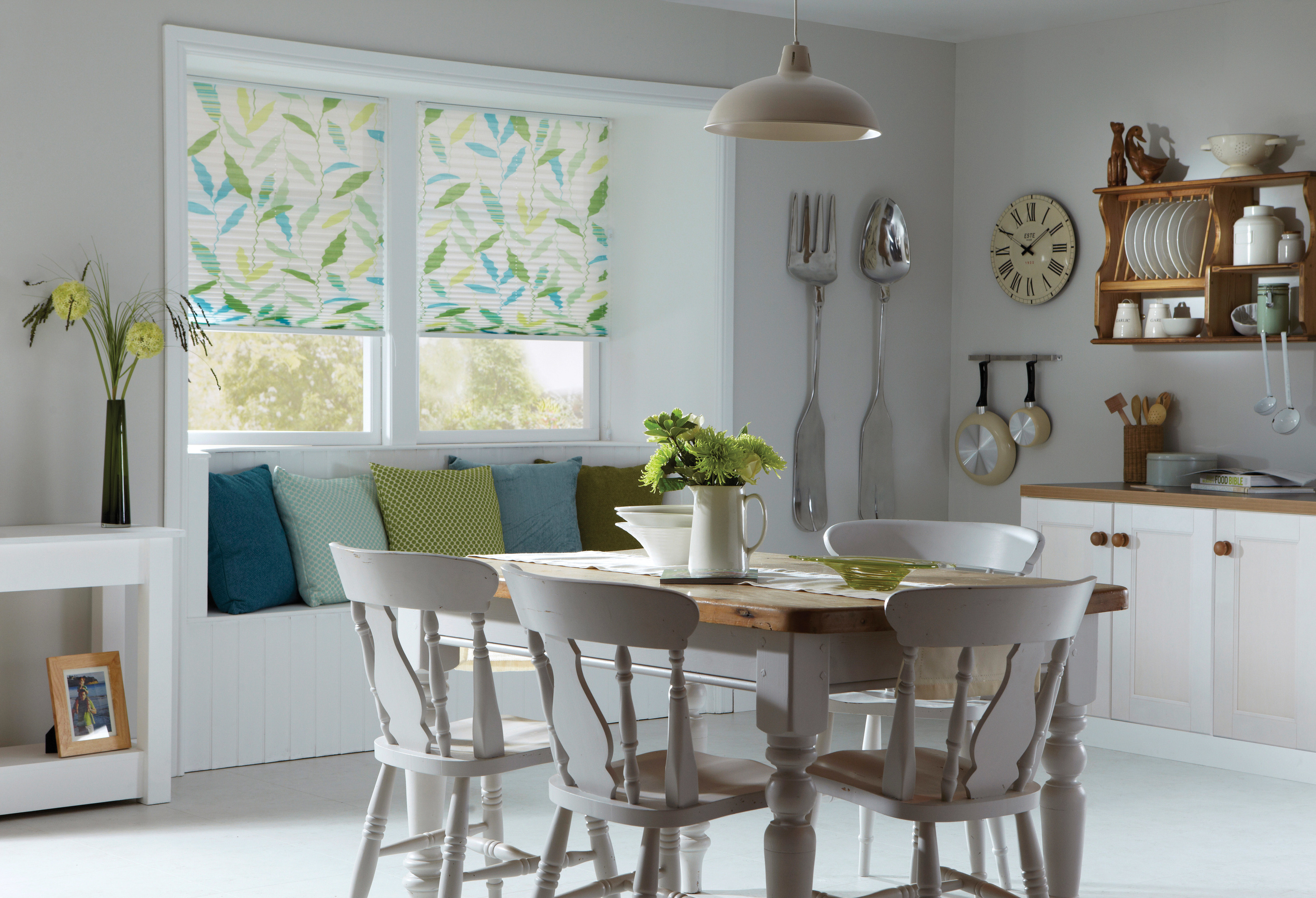 Apollo pleated leaf print blinds