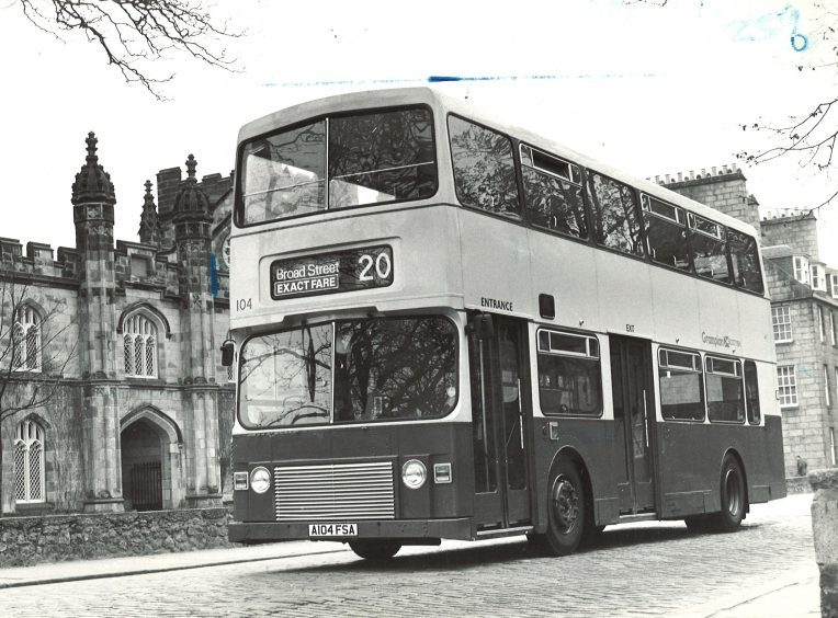 Grampian Bus heading to Broad Street in 1984