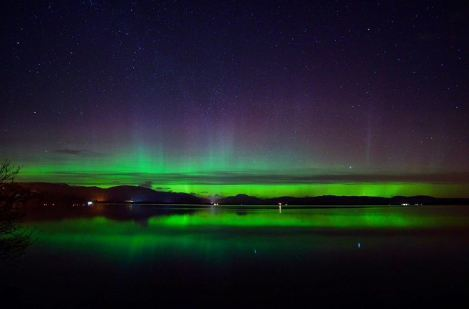 Picture by John Anderson of Northern Lights from Loch Lomond.