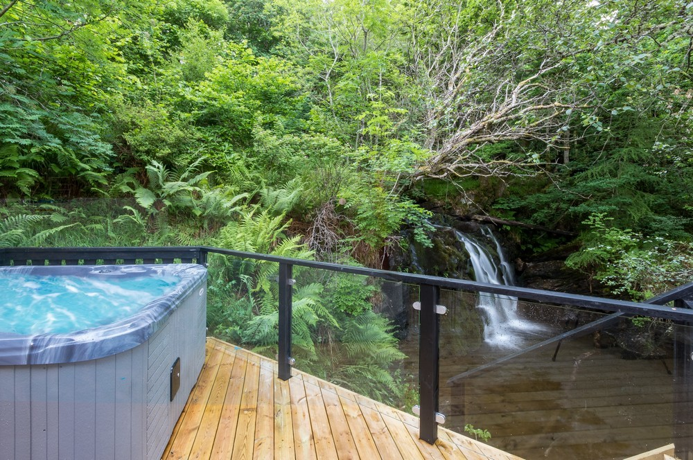 Time To Unwind Soak In A Hot Tub At One Of These Luxury