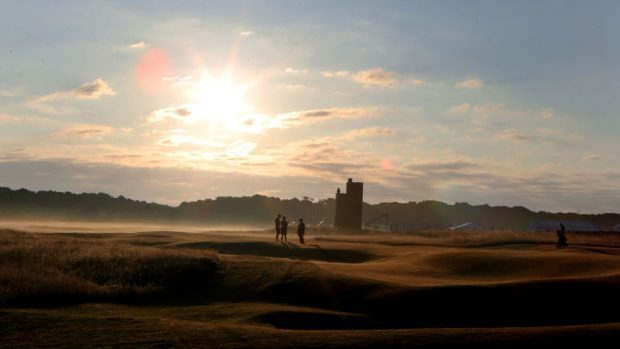 Muirfield Golf Club has voted to admit women members for the first time in its history