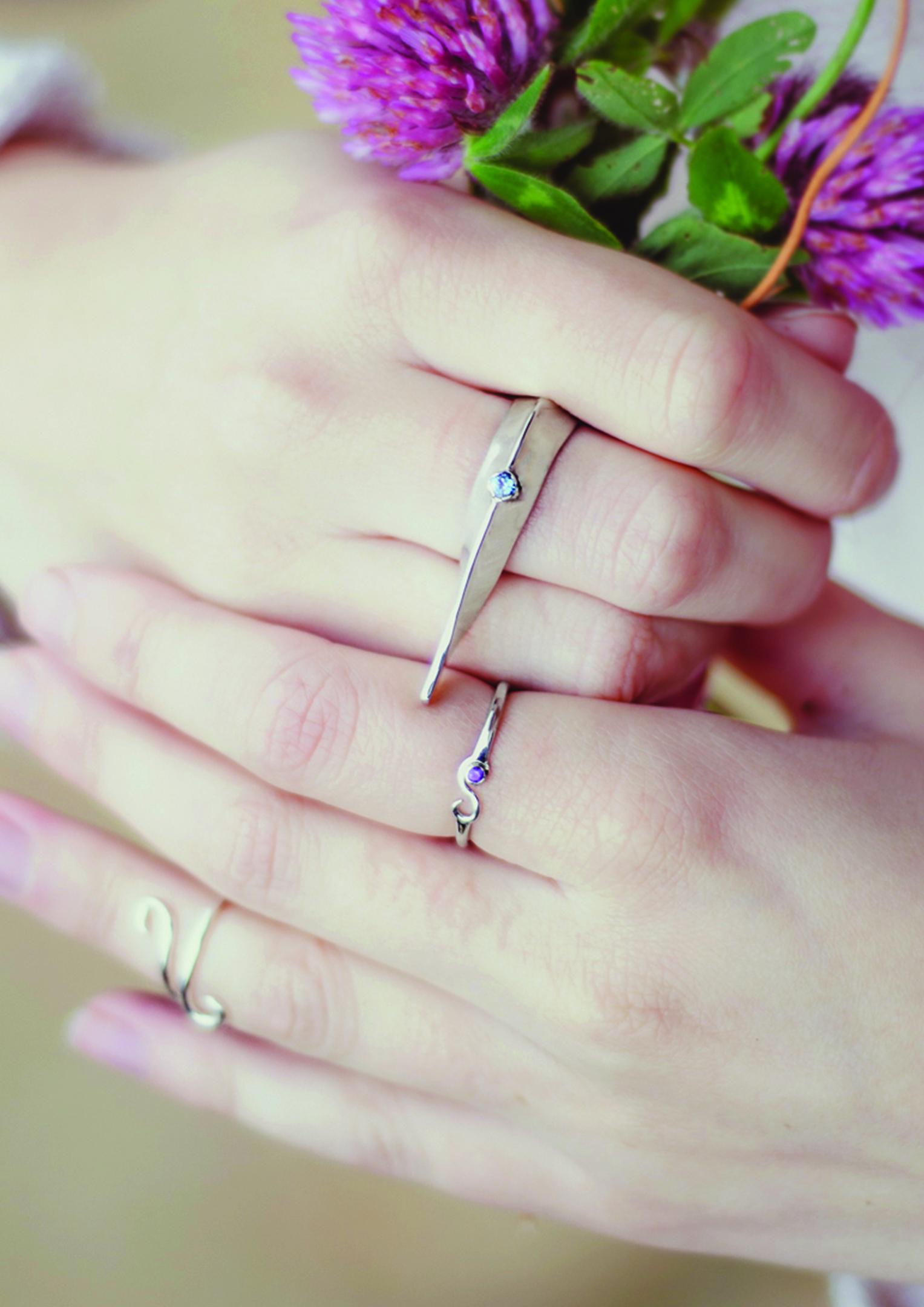 hoy-sound-rings-flowers