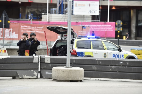 Swedish media: Truck crashes into Stockholm store, 3 dead