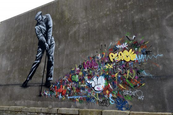 Martin Whatson (NO) on 29-31 Queens Street.