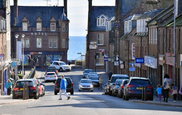 Works to improve water mains in Stonehaven are expected to take six months to complete.