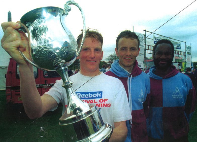 First men home in the 1996 Baker Hughes 10K were winner Alan Reid, runner-up Ross Arbuckle and Frankie Barton.