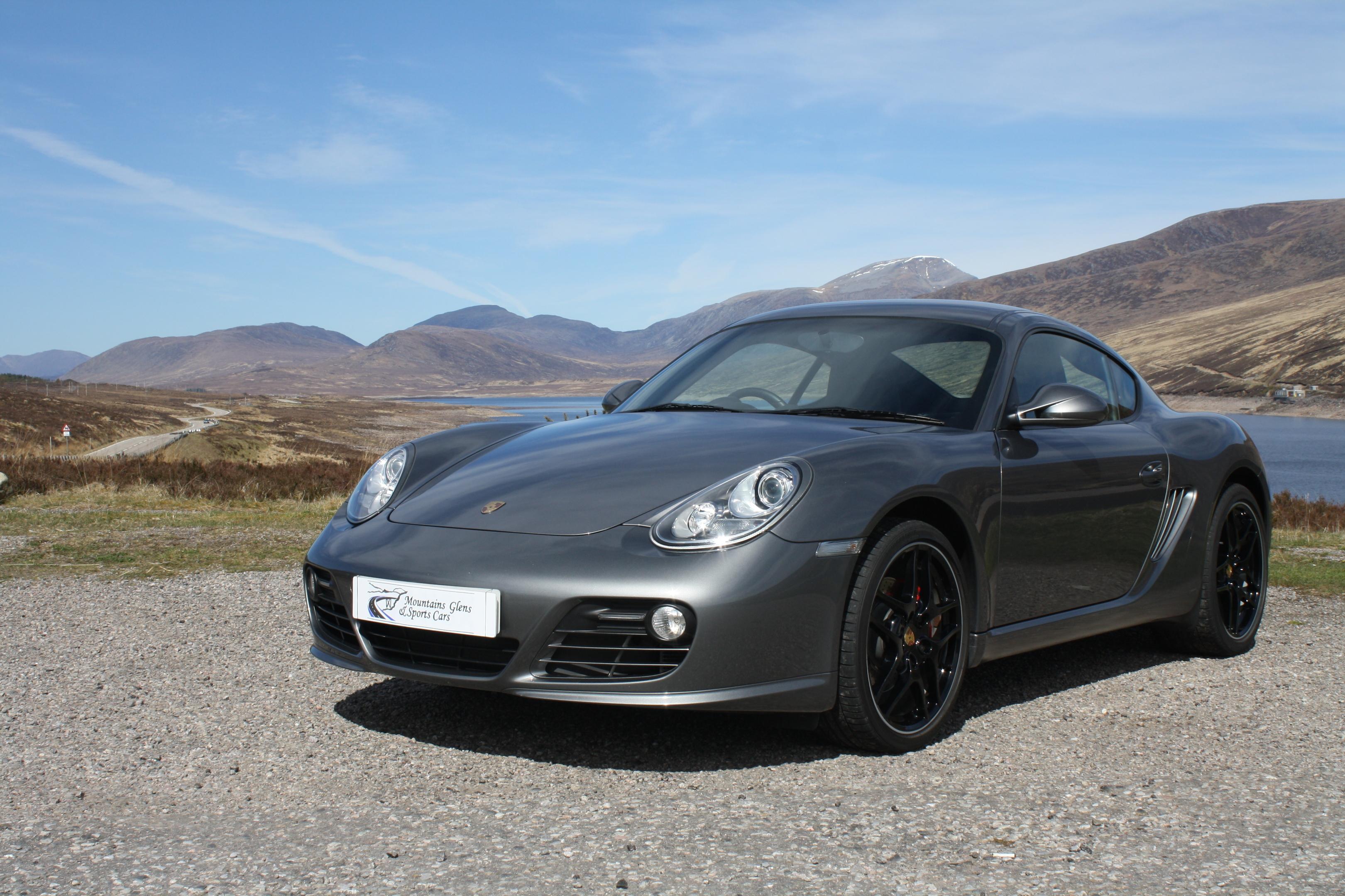Porsche lead photo